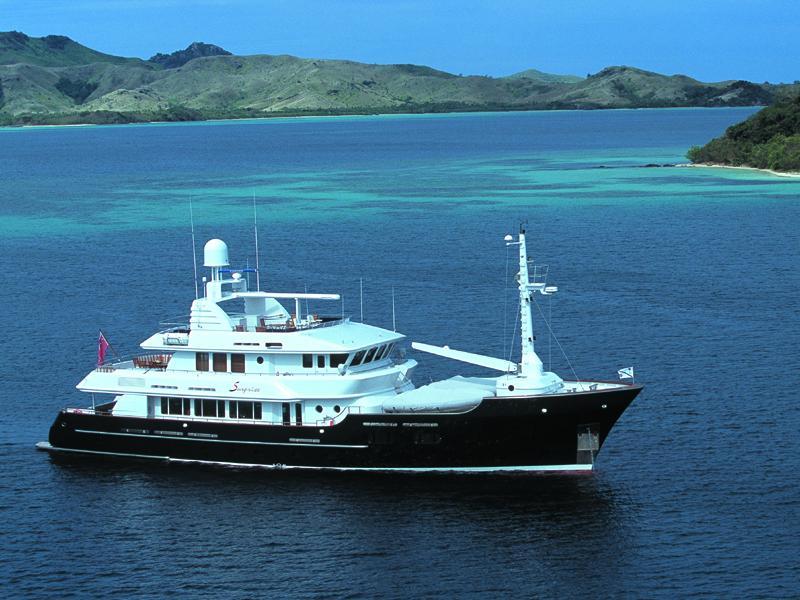 Yacht Koi Charter Motor Yacht